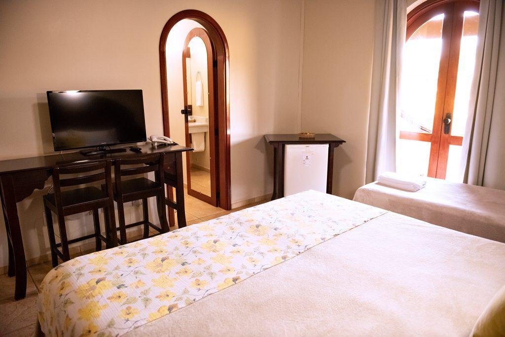 vista da cama dos quartos tenondé park hotel sao miguel das missões pousada