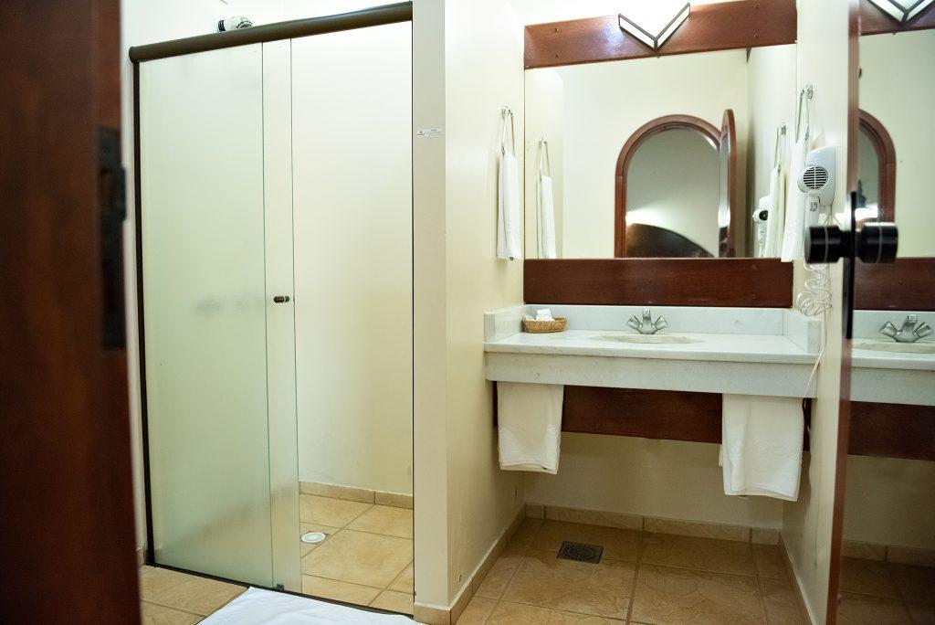 vista ado banheiro tenondé park hotel sao miguel das missões