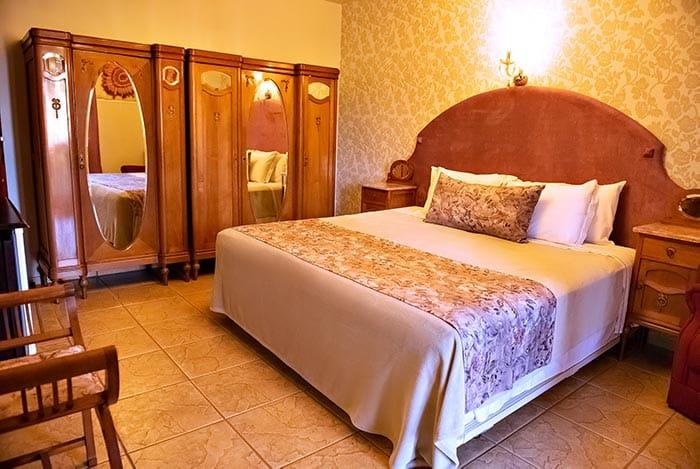 quarto decorado lindo de hotel em são miguel das missões tenondé